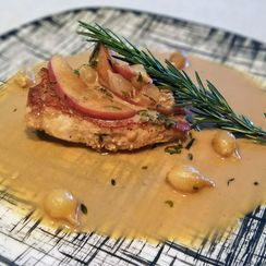 PEPPERED APPLE GRAVY WITH GOLDEN PORK CHOPS