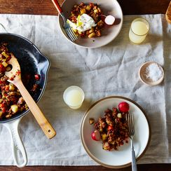 Spicy Apple-Chorizo Hash