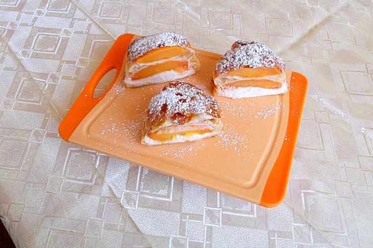Vanilla-Roasted Peaches and Mascarpone Cream Napoleon