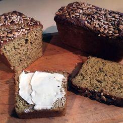 Flax and Quinoa Seed Bread  (LC, GF)
