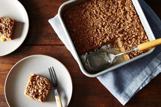 Peach Crumble Coffee Cake: A Vegan Dessert for Summer