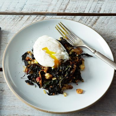 Julia Child's 10-Second Trick for Better Poached Eggs