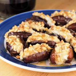 Gorgonzola Walnut Stuffed Dates