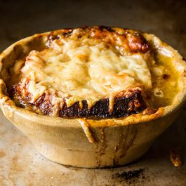 06ccb595-a808-49a4-9418-918fd3cd6273.french_onion_soup_2
