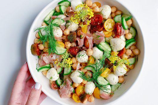 Springy Mozzarella & Chickpea Salad