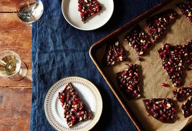 13514830-50f9-4e98-8f9f-0eeb01919b48--2015-1208_chocolate-bark-with-fresh-pomegranate-arils-and-toasted-walnuts_james-ransom-015