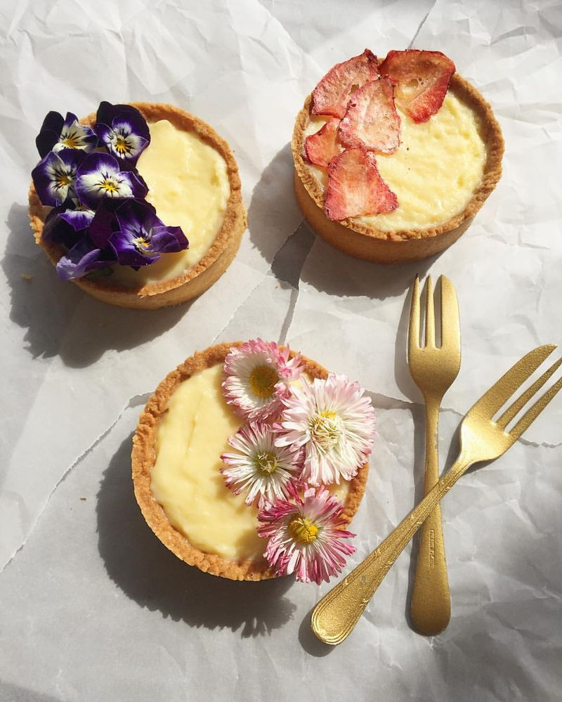 Tartelletta di fruttta e fiori—fruit and flower tartlets—that Chiara made.