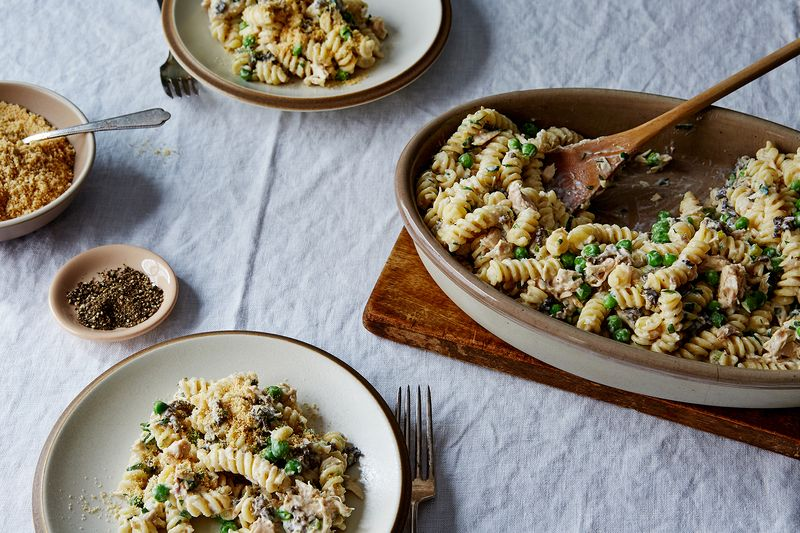 "Noodles with Tuna and Peas (""Tuna Pea Wiggle"")"