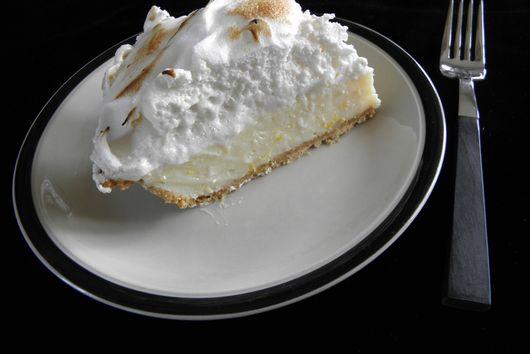 Lemon Meringue Pie; Low Fat, High Taste