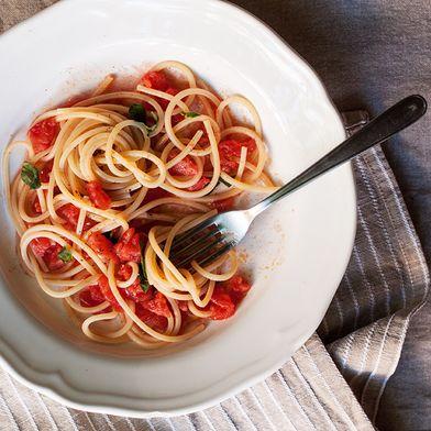 Raw Tomato Sauce (Salsa Cruda di Pomodoro)