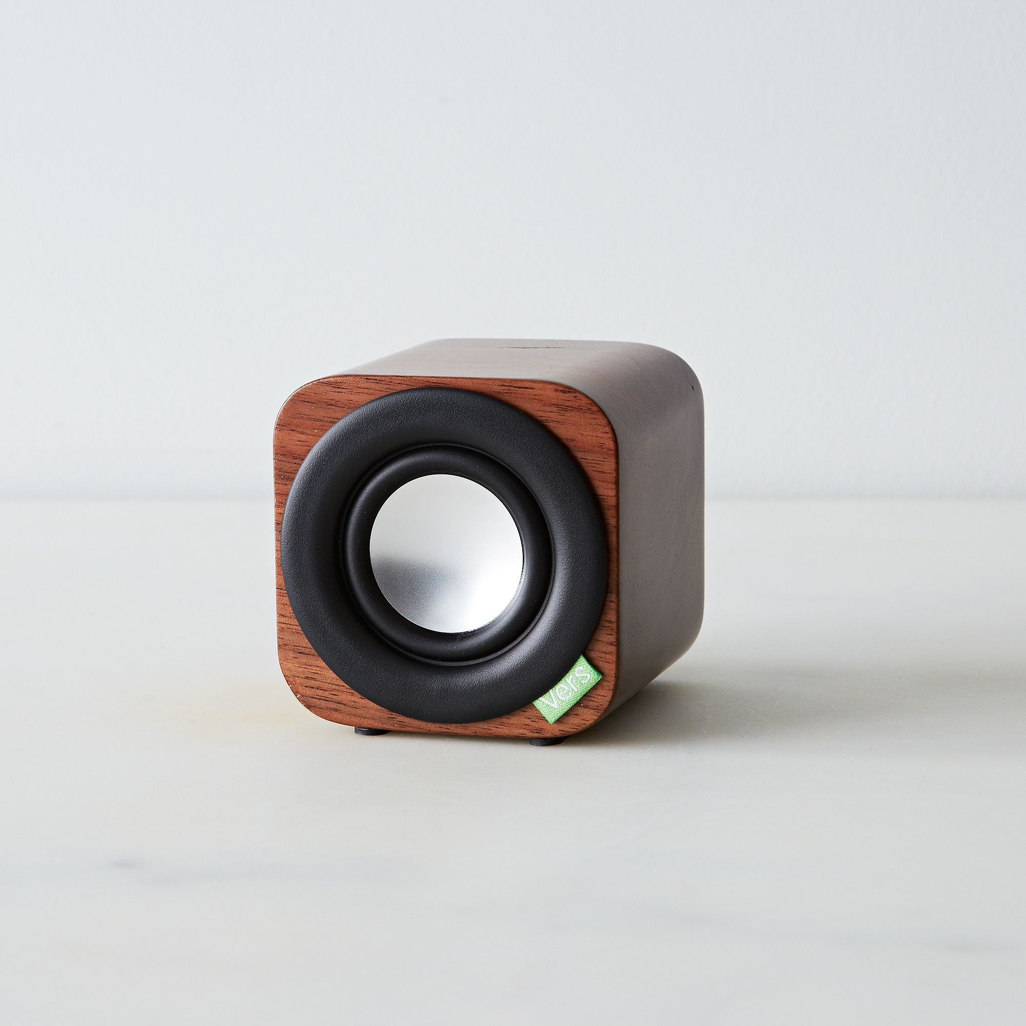 Dfc913a0 a0f7 11e5 a190 0ef7535729df  2015 0211 vers audio bluetooth wooden portable speakers q1 walnut alpha smoot 256