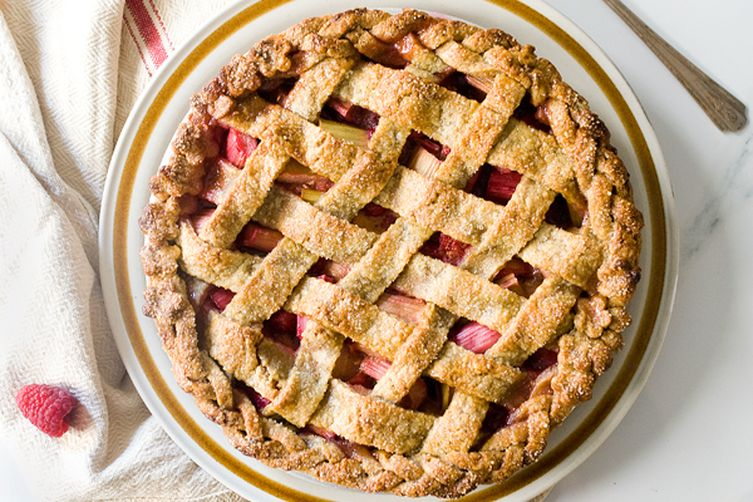 Toasted Rye Rhubarb Raspberry Pie