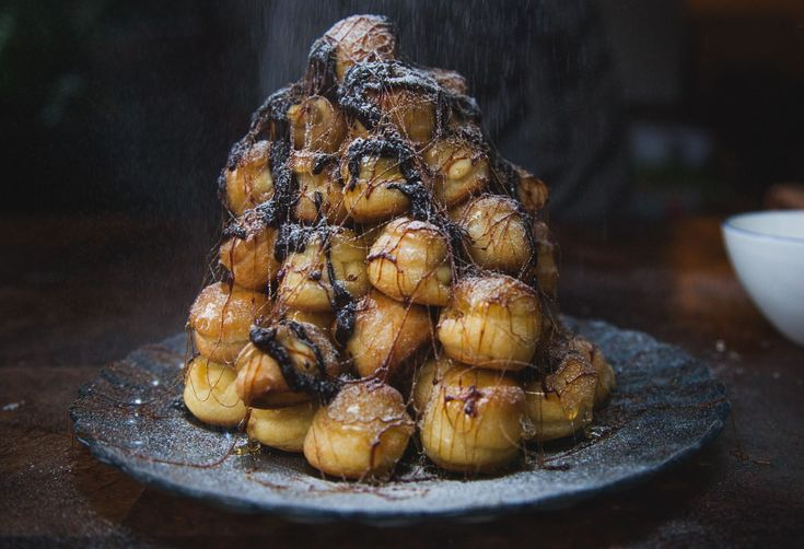 How to Make Croquembouche