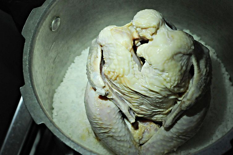 Pinaupong Manok (Chicken Steamed By A Bed of Salt)