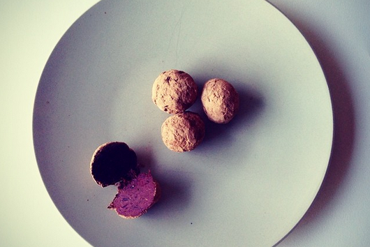 Beet bliss balls