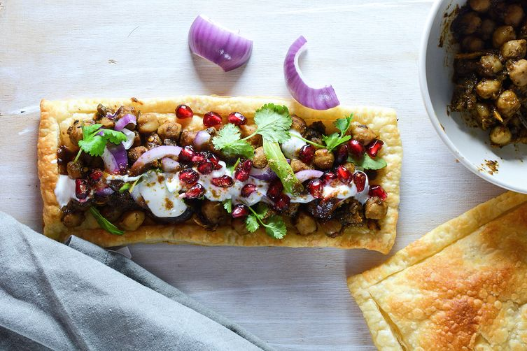 BAKED TART WITH CHICKPEA CURRY AND TAMARIND CHUTNEY