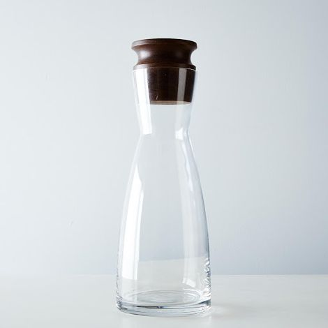 Liter Glass Carafe with Walnut Stop