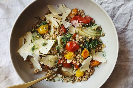 One-Skillet Farro With Fennel, Tomatoes & Parmesan
