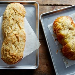A Crunchy Topping That Will Improve Your Next Loaf of Bread
