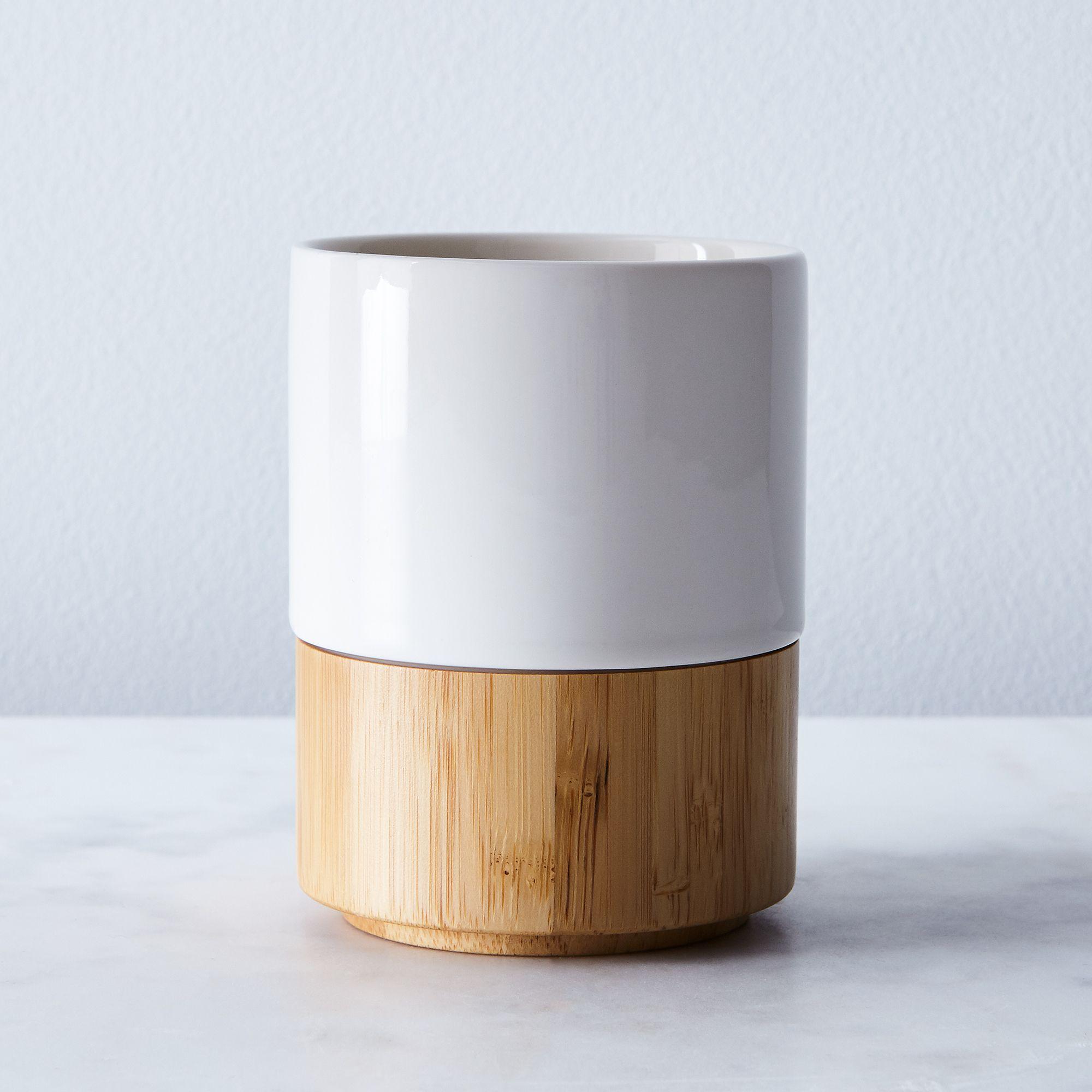 11923648 1b0c 4401 a575 c04453d97e7c  2017 0907 esselle stackable stoneware and bamboo mug white silo rocky luten 002