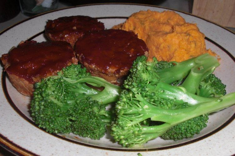 Individual Chipotle Meatloaves with Zesty Orange Ketchup Glaze