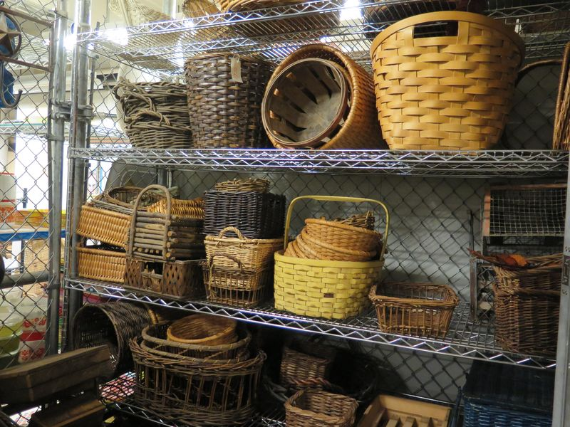 The selection of thatched, wooden, and woven baskets—some tall, some long for centerpieces—were endlessly interesting. Rustic shapes might have found a home on Molto Mario.