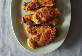 """Pssst: 8 Very """"Adult"""" Ways to Eat Chicken Fingers for Dinner"""
