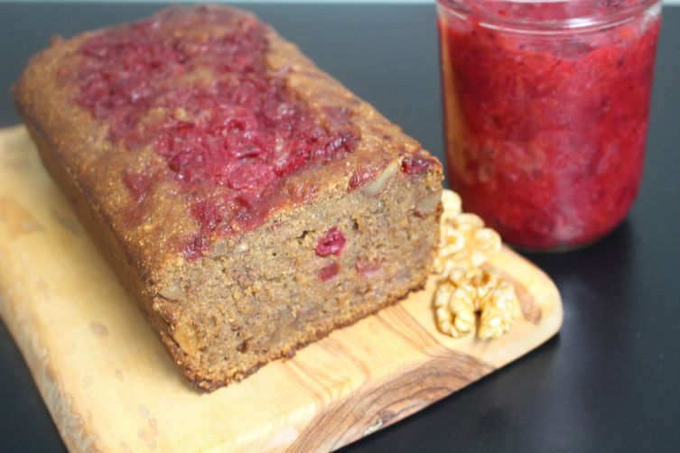 Vanilla Cranberry Sauce Loaf with Walnuts