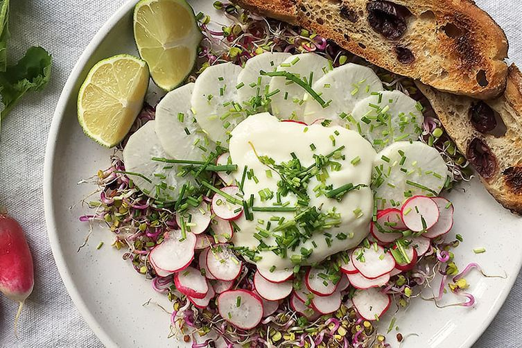Radish and cream salad