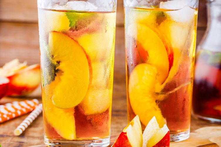 FRUIT-INFUSED ICED TEA
