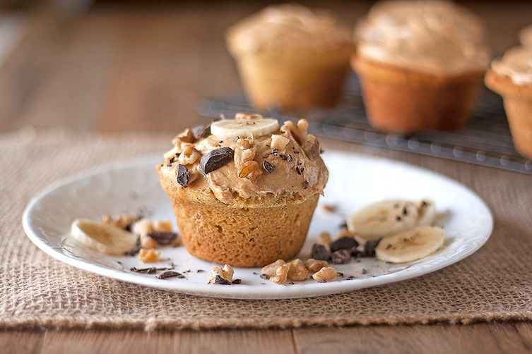 Banana Cupcakes with Peanut Butter Frosting (Gluten-free)