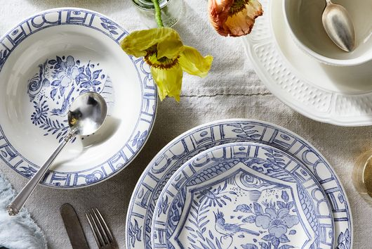 The 200-Year-Old Story Behind Your Grandma's Blue & White China