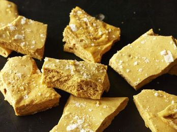 3-Ingredient Homemade Honeycomb Candy Is As Dramatic And Delicious as it Sounds