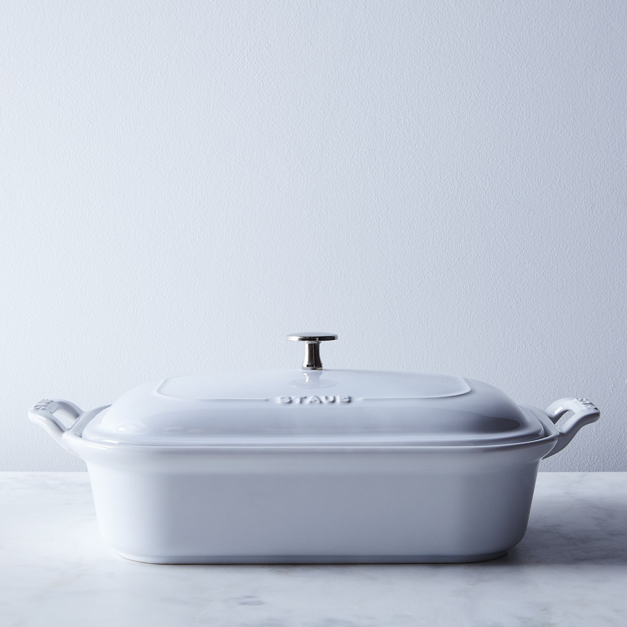05104b2c bcee 4d58 ab89 9884b51c7d59  2017 0926 zwilling j a henckels staub white covered ceramic baking dish 4qt silo rocky luten 005