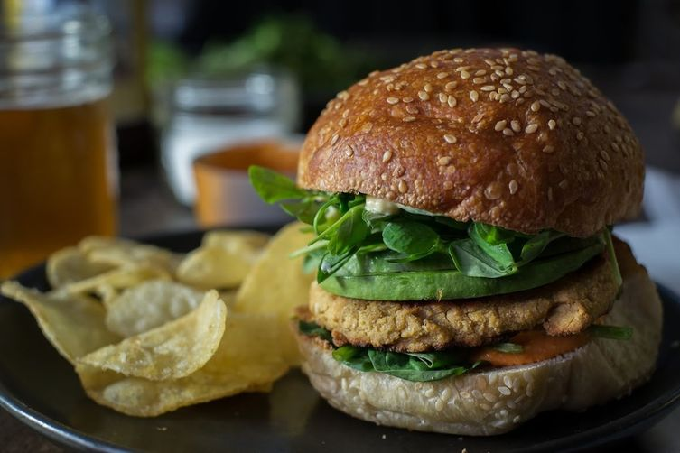 Chickpea burgers with red pepper & feta spread