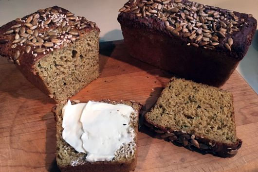 Flax and Quinoa Seed Bread  (LC, GF)