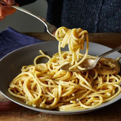 "The ""Simple"" Roman Pasta That Stumps Even the Most Seasoned Chefs"