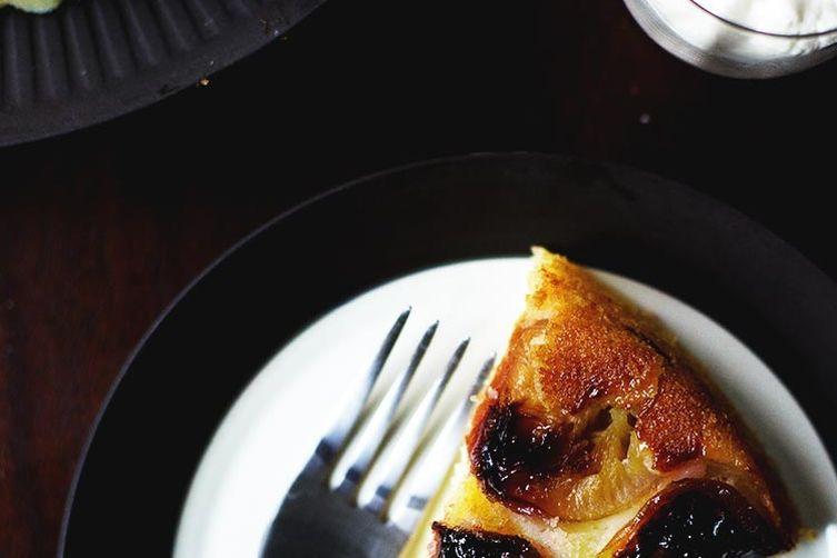 Skillet plum pie