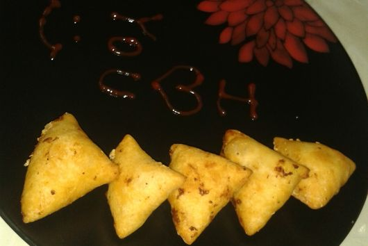 cheesy corn triangles
