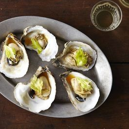 8b964762-0716-4031-aaa9-95960a9d5404--2014-0722_food52_oysters_with_tomato_broth_top_chef_014