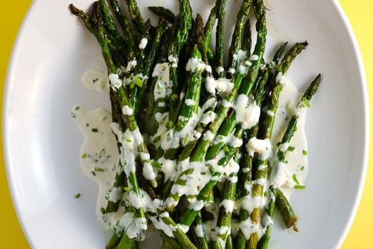 Charred asparagus with Horseradish Cream Sauce