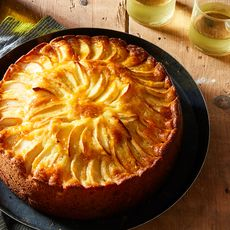 Ece2fe33 74a9 441c b368 366a399fd32e  2016 0910 apple almond cake james ransom 193