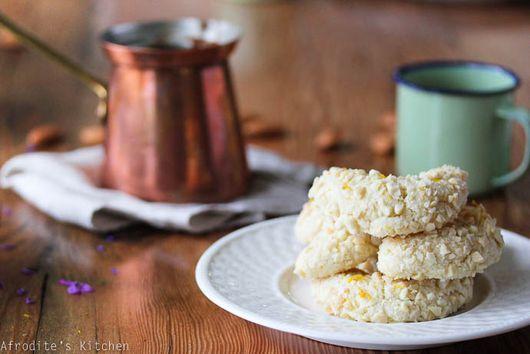 Cyprus Almond Macaroon Cookies