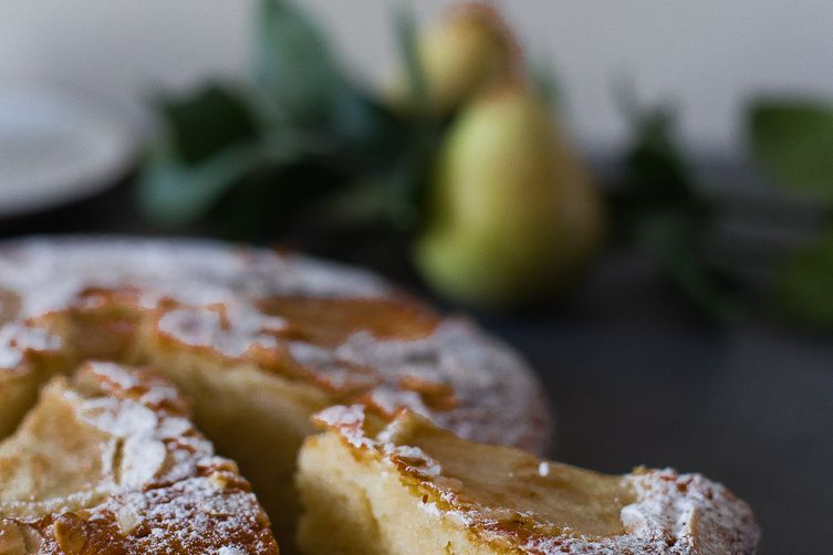 Yogurt pear cardamom cake