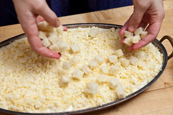 topping macaroni and cheese