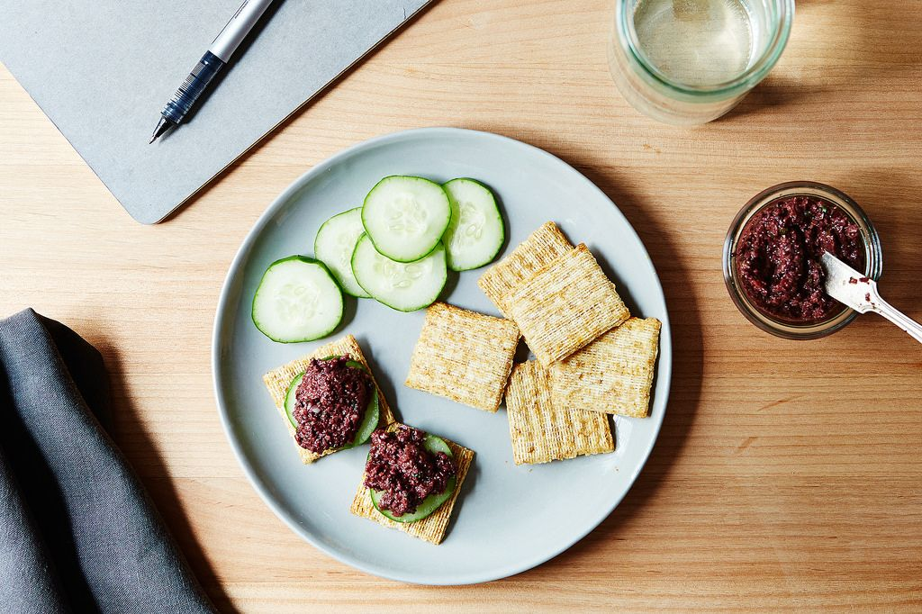 Triscuits with Tapenade