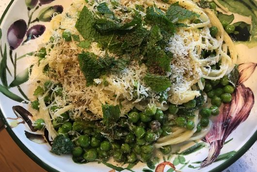 Pasta with mint & peas