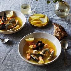Febd4a02 b73b 43b2 92ad c02080c10e2b  2017 0711 villa maria seafood bouillabaisse bobbi lin 31272