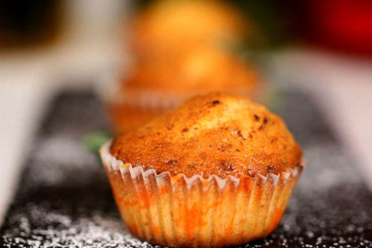 Eggless Mawa Cakes