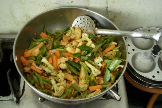 dadi's cauliflower, carrot, and green bean coconut stew